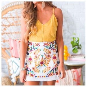 ✨LAST ONE✨White embroidered skirt